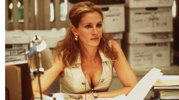 Julia Roberts Stars In The Movie Erin Brockovich Photo Universal